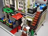 LEGO-10243-Parisian-Restaurant(パリジャンレストラン)作りった完成品表示用1.jpg