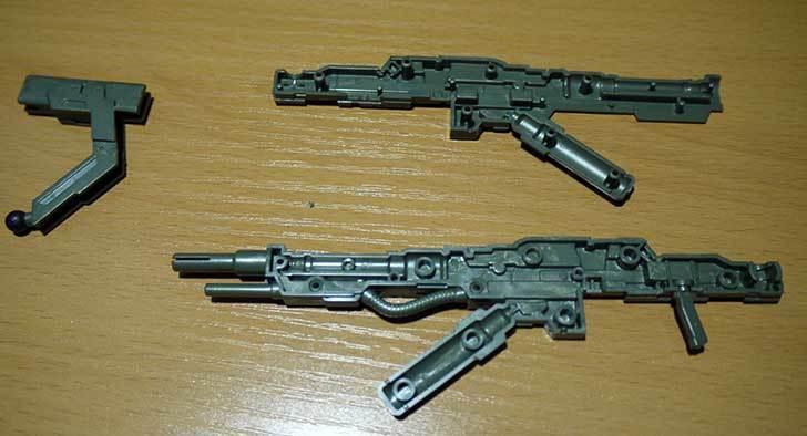 1-144-武御雷-Type-00R-斯衛軍第16大隊指揮官機の電磁投射砲を素組した3.jpg