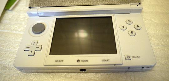 3DSに液晶保護フィルムを貼5.jpg