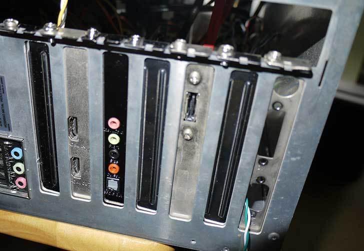 ASUSTek-XONAR-DGXを取り付けた2.jpg