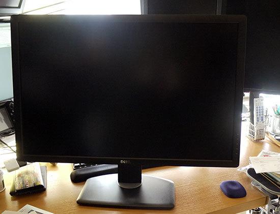 DELL-U3014-30インチワイドモニタを買った2.jpg