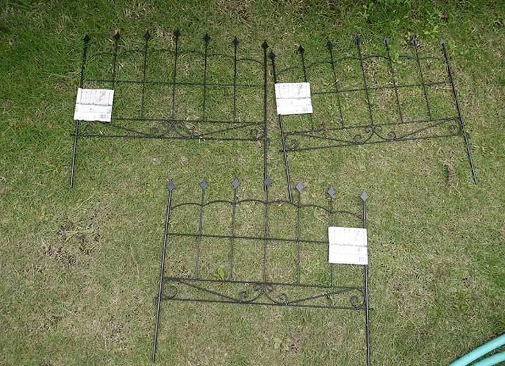 アイアンフェンス-アンティーク-幅57×高さ50cmをカインズで3個買ってきた1.jpg