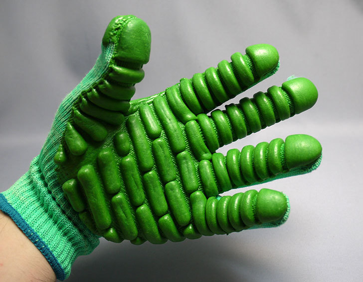 アトム-振動軽減手袋-しんげんくん-フリー-1120を買った10.jpg