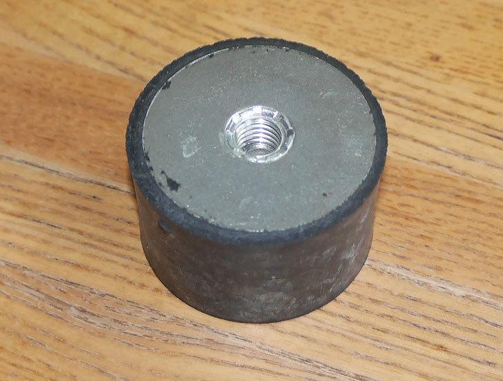 イマオコーポレーション-防振ゴム(両側メネジ)-VD3-5030M10をバランスチェアの修理用に買った1.jpg