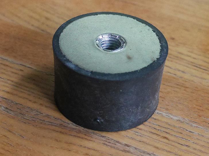 イマオコーポレーション-防振ゴム(両側メネジ)-VD3-5030M10をバランスチェアの修理用に買った4.jpg