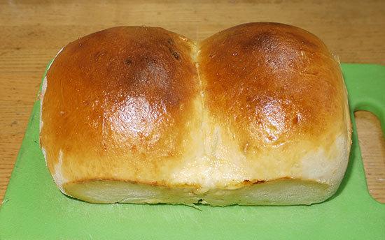 ゴーダチーズでチーズパンを作ってみた2.jpg
