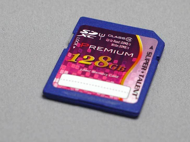 スーパータレント-UHS-I-SDXCメモリーカード-128GB-Class10-ST28SU1Pを買った3.jpg