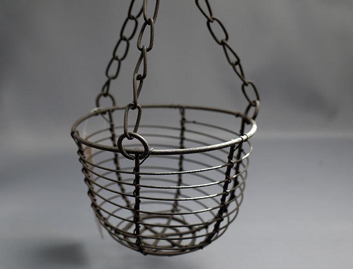 セリアでAntiqui-Hanging-basket-アンティークハンギングバスケットを買ってきた1.jpg