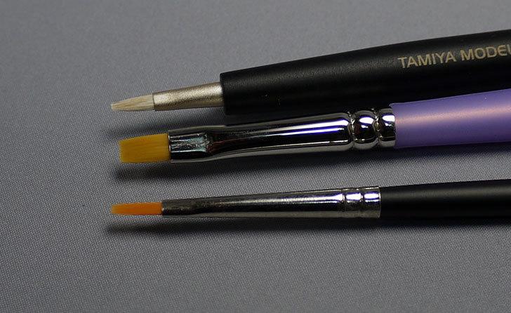 タミヤ-モデリングブラシ-HF-平筆-No.02-87045を買った4.jpg