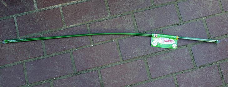 ダイソーでスチール製-自由に曲げられる支柱-90cm×5mm径-3本組を買って来た1.jpg