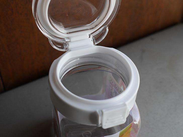 ダイソーでワンプッシュで開閉できる保存容器 350mlを買って来た。100均-011.jpg