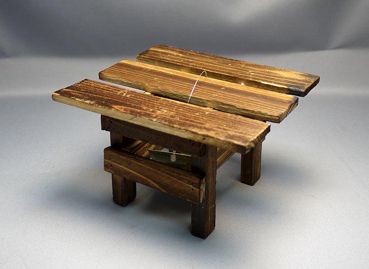 ダイソーで木製テーブル型花台を3個買って来た5.jpg