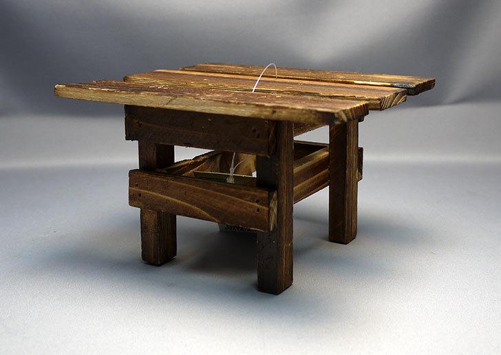ダイソーで木製テーブル型花台を3個買って来た6.jpg