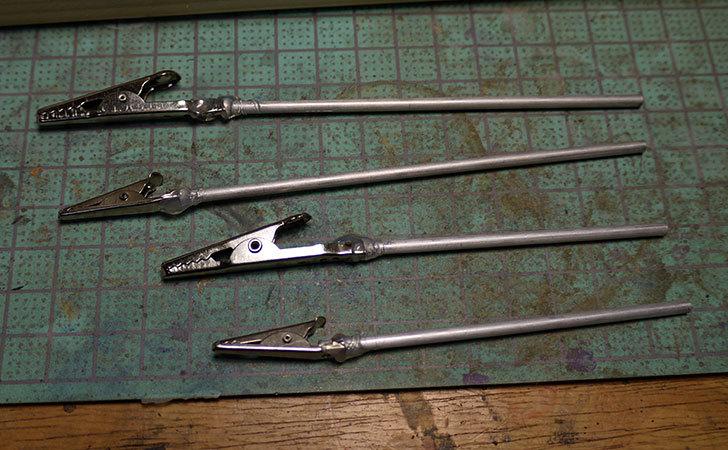 ダイソーで買って来たワニ口クリップで塗装用持ち手を192本作った23.jpg