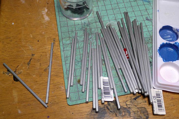 ダイソーで買って来たワニ口クリップで塗装用持ち手を192本作った5.jpg