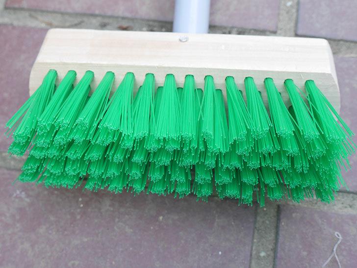 ダイソーでPCVデッキブラシを買って来た。掃除道具-005.jpg