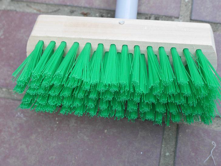 ダイソーでPCVデッキブラシを買って来た。掃除道具-006.jpg