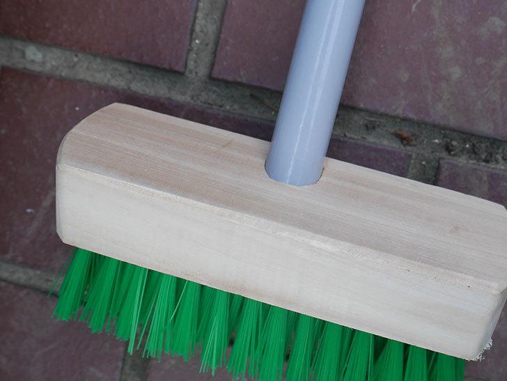 ダイソーでPCVデッキブラシを買って来た。掃除道具-007.jpg