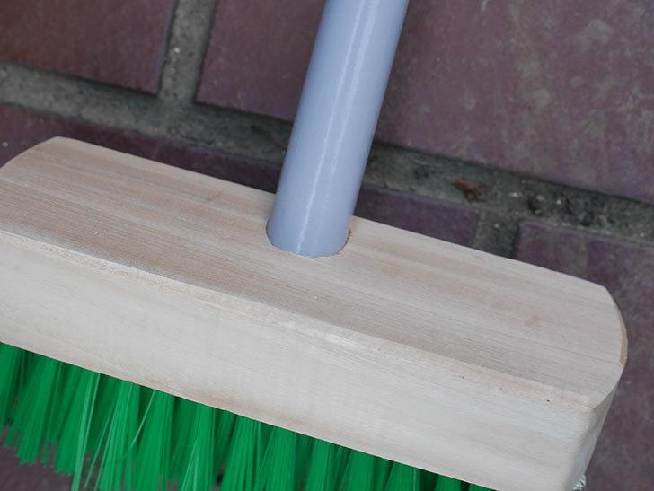ダイソーでPCVデッキブラシを買って来た。掃除道具-008.jpg