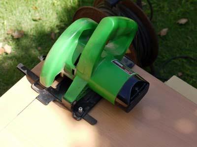 ニトリの机加工2.jpg