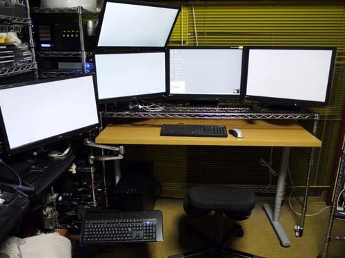 ニトリの机組み立て5.jpg