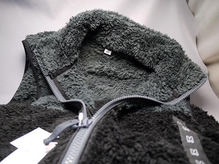 ユニクロでバルキーフリースベスト-黒を790円で買って来た3.jpg
