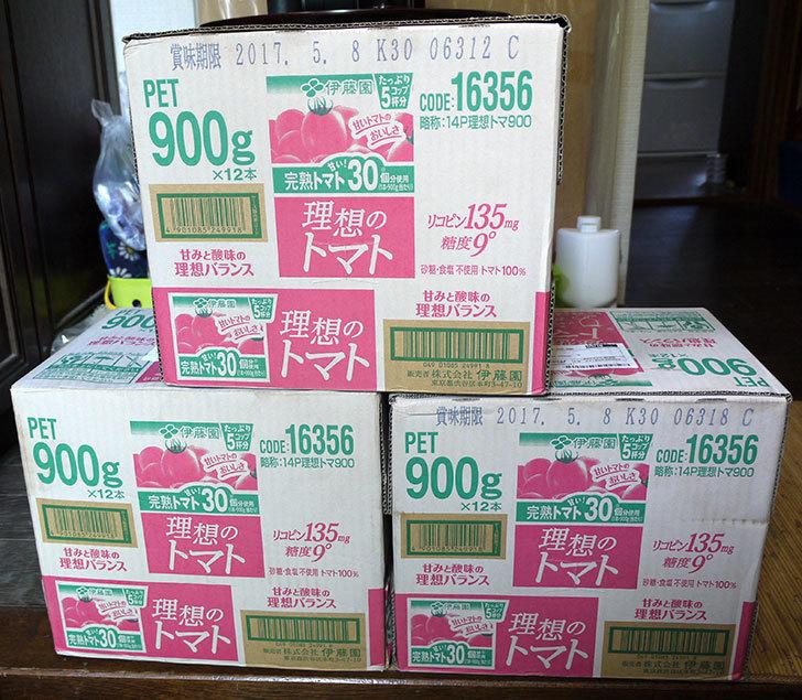 伊藤園-理想のトマト900g×12本を3箱買った1.jpg