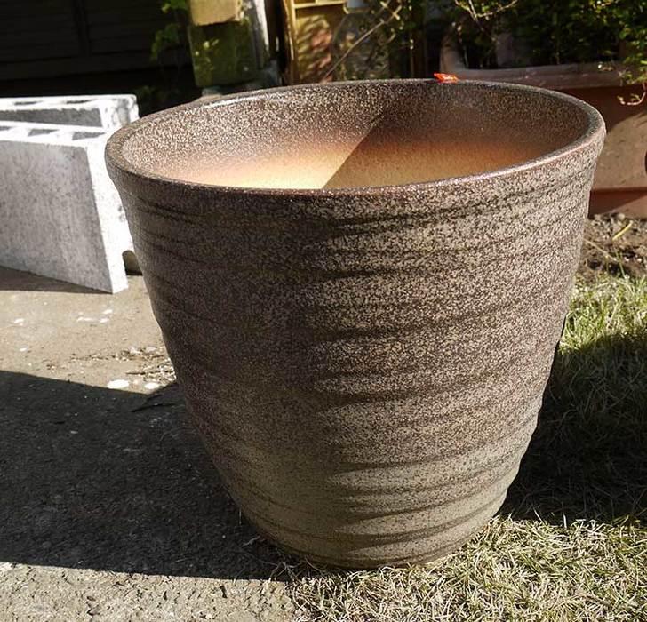 信楽焼き窯肌植木鉢-ネイチャーロング-窯肌をケイヨーデイツーで買って来た2.jpg