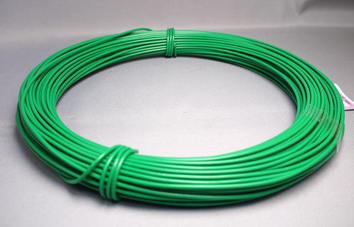 八幡ねじ-カラー針金-緑-#12×1kg-2.6mm-約37mをホームズで買って来た2.jpg