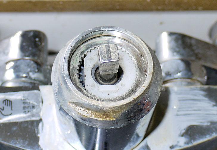 台所の混合栓、TOTO-TKG30URXが水漏れ10.jpg