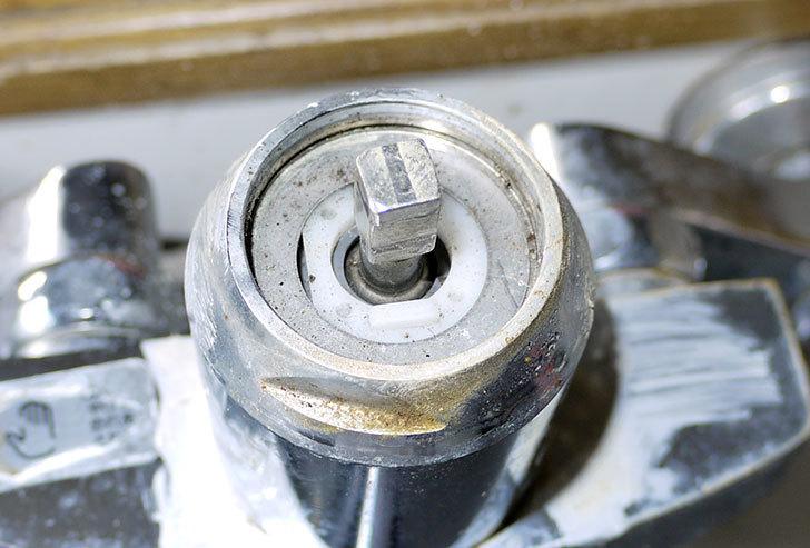 台所の混合栓、TOTO-TKG30URXが水漏れ9.jpg