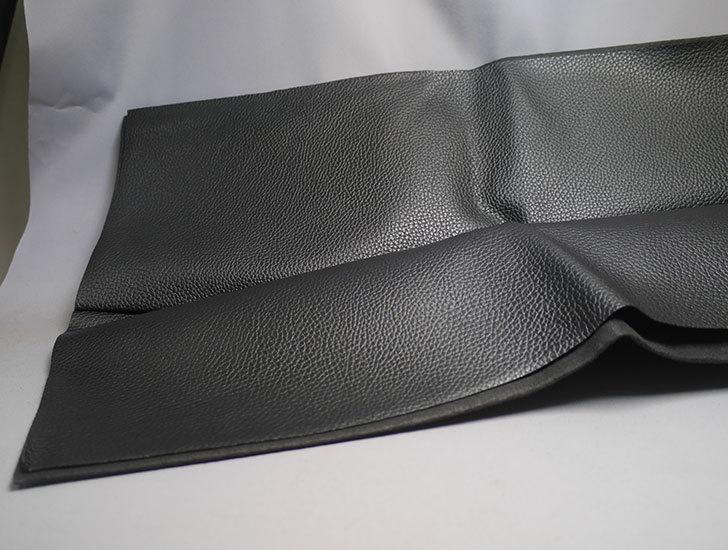 合皮-薄手-フェイクレザー-生地-138×50cm-(ブラック)-9005-1-をバランスチェアの修理用に買った1.jpg