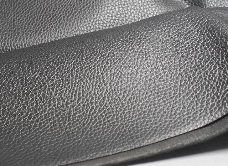 合皮-薄手-フェイクレザー-生地-138×50cm-(ブラック)-9005-1-をバランスチェアの修理用に買った4.jpg