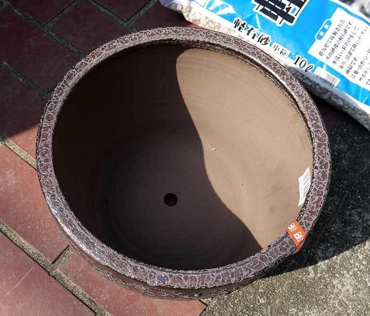 和風陶器鉢Mの茶をケイヨーデイツーで買って来た2.jpg