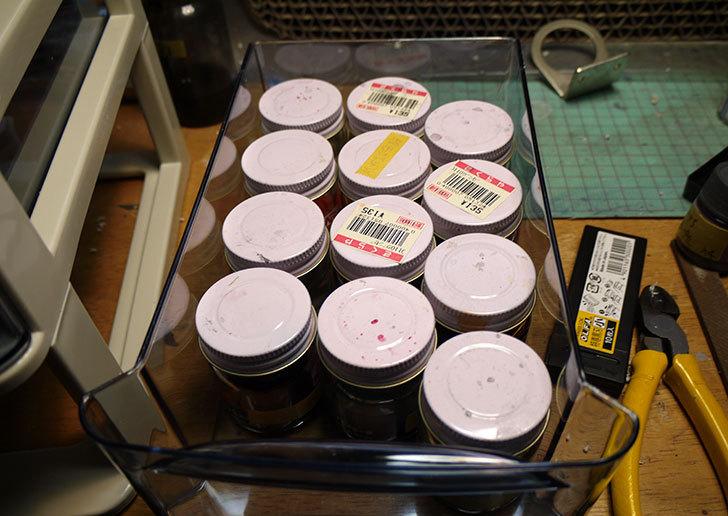 塗料の瓶保管用に山田化学-CHEST2-DK-2を買って来た5.jpg