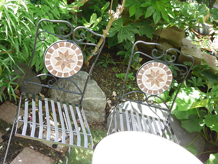 山善 ガーデンマスター モザイクチェア2脚組 HMC-87を買った-005.jpg