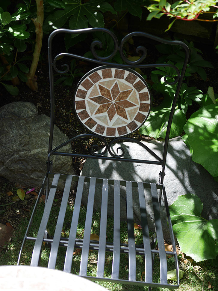 山善 ガーデンマスター モザイクチェア2脚組 HMC-87を買った-008.jpg