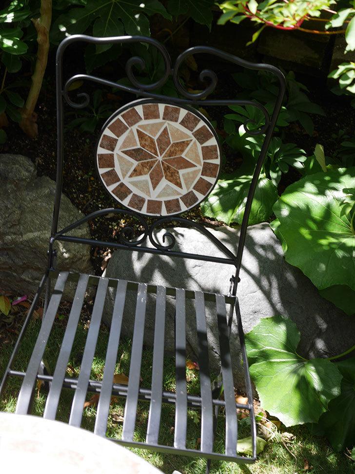 山善 ガーデンマスター モザイクチェア2脚組 HMC-87を買った-009.jpg