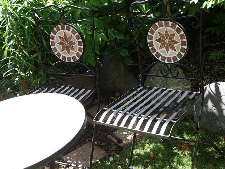 山善 ガーデンマスター モザイクチェア2脚組 HMC-87を買った-010.jpg