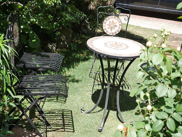 山善 ガーデンマスター モザイクチェア2脚組 HMC-87を買った-021.jpg