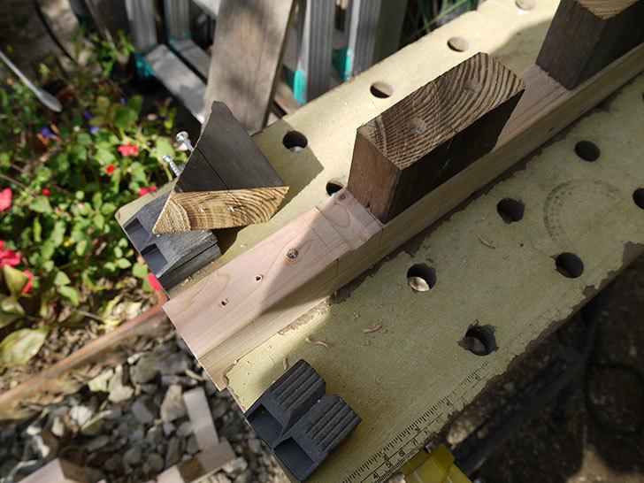 木製の物干し台制作2-12.jpg