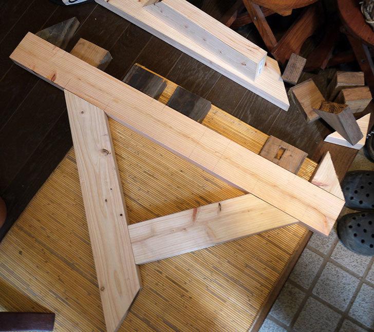 木製の物干し台制作2-3.jpg