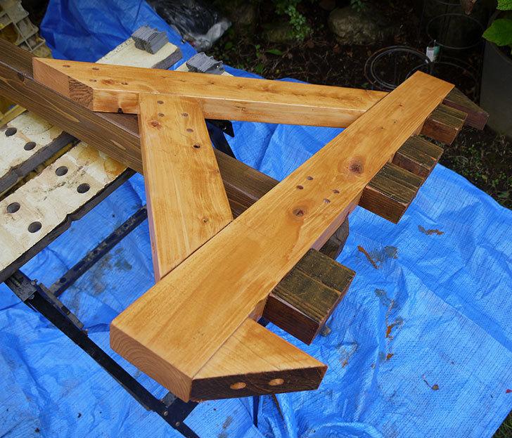 木製の物干し台制作3-1.jpg
