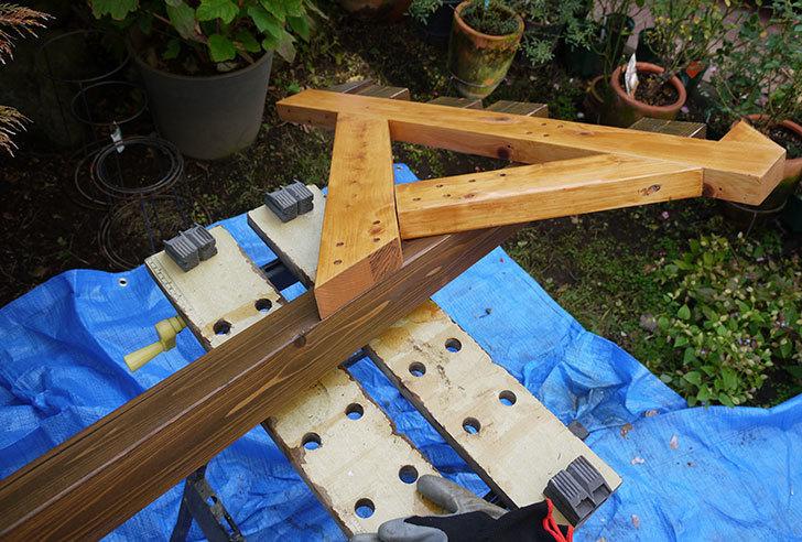木製の物干し台制作3-7.jpg