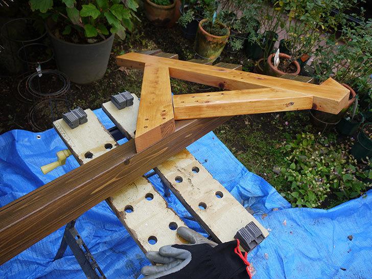 木製の物干し台制作3-8.jpg
