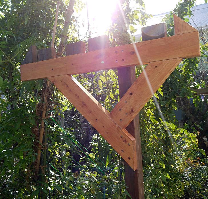木製の物干し台制作4-1.jpg