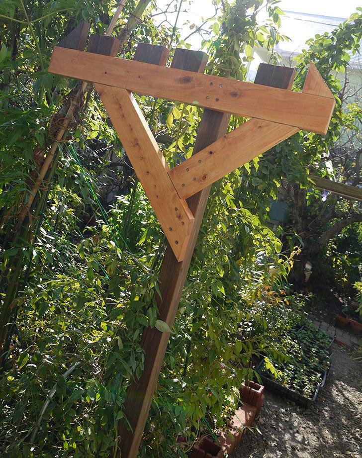 木製の物干し台制作4-12.jpg