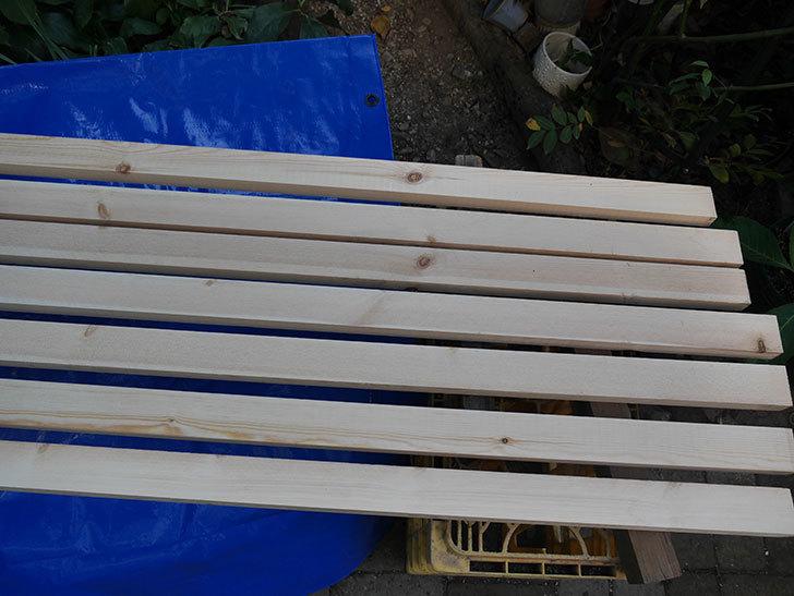 木部保護塗料で塗装した。2020年。バラのフェンス制作(1)-008.jpg