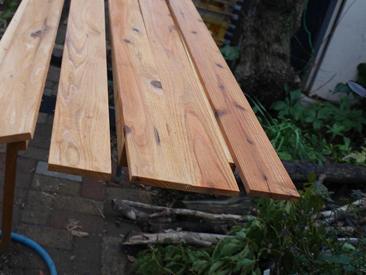 木部保護塗料で塗装した。2021年。(1)ツルバラ用のオベリスク制作-014.jpg