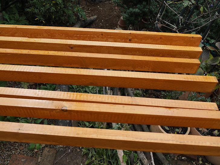 木部保護塗料で塗装した。2021年。(1)ツルバラ用のオベリスク制作-018.jpg